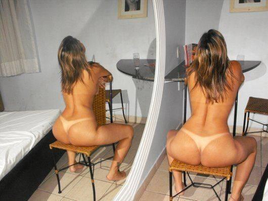 Esposa pelada no motel querendo sexo