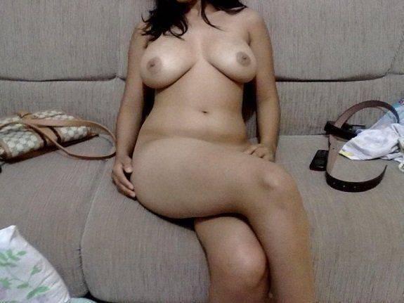 Fotos da esposa pelada no sofá