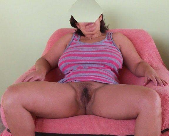 Coroa peituda bucetuda querendo sexo