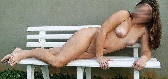 Esposa magrinha toda exibicionista