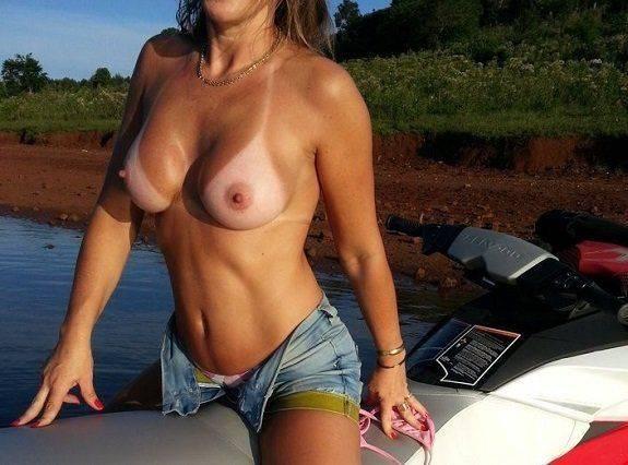 Loira casada bronzeada do sexlog