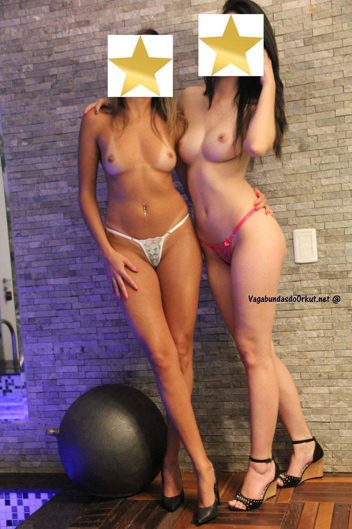magrinha exibicionista e sua amiga puta (14)