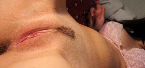 Buceta lisinha da esposa pelada