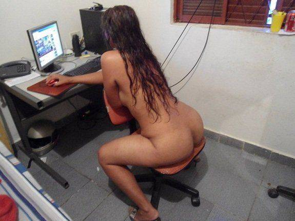 Esposa pelada gostosa na webcam