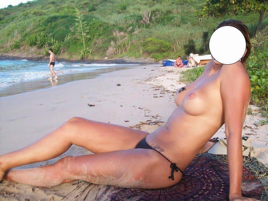 Fotos da esposa toda pelada na praia (2)