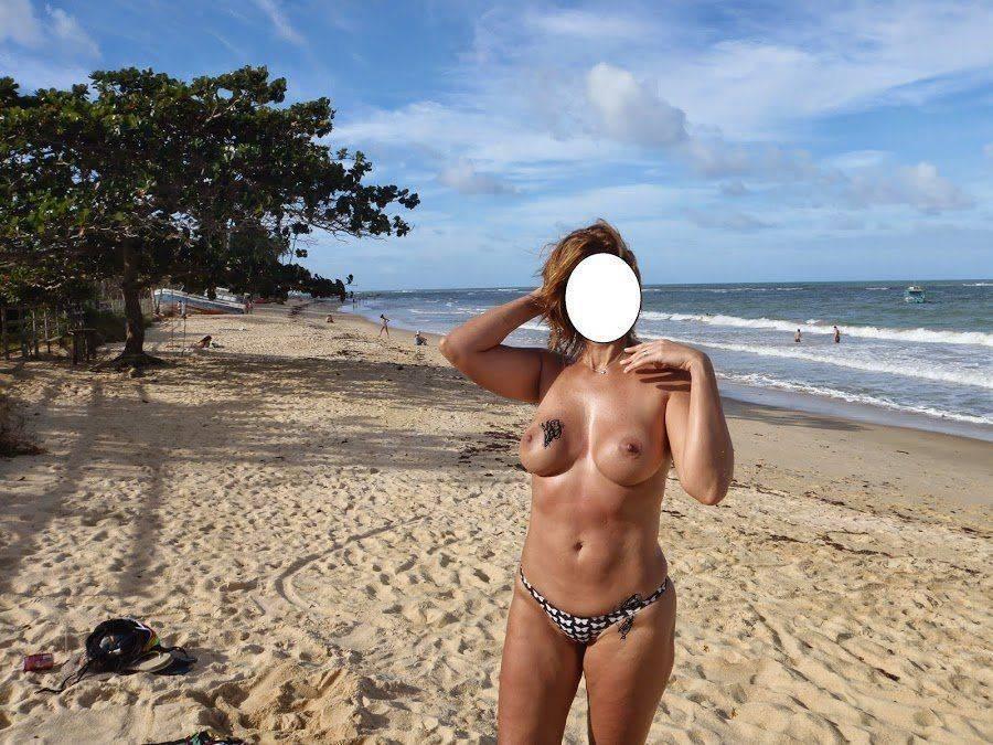 Fotos da esposa toda pelada na praia (6)