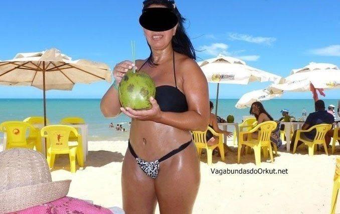 Exibicionismo da esposa pelada na rua (14)