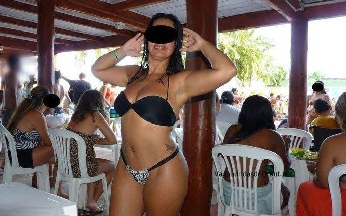 Exibicionismo da esposa pelada na rua (15)