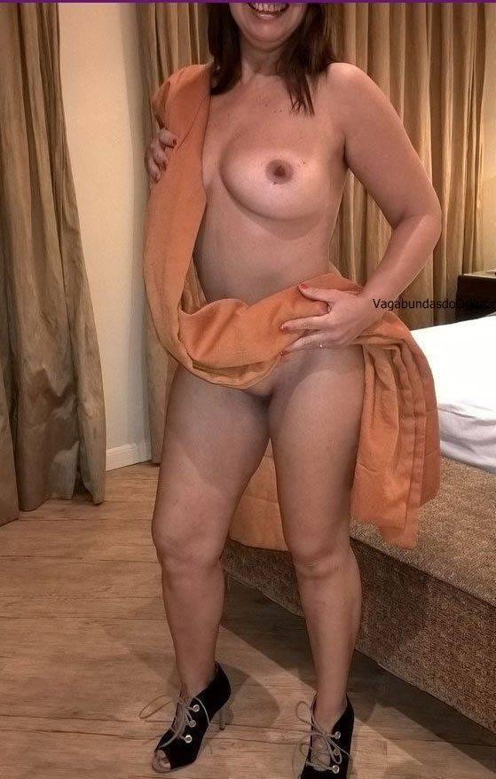Exibicionismo da esposa pelada na rua (16)