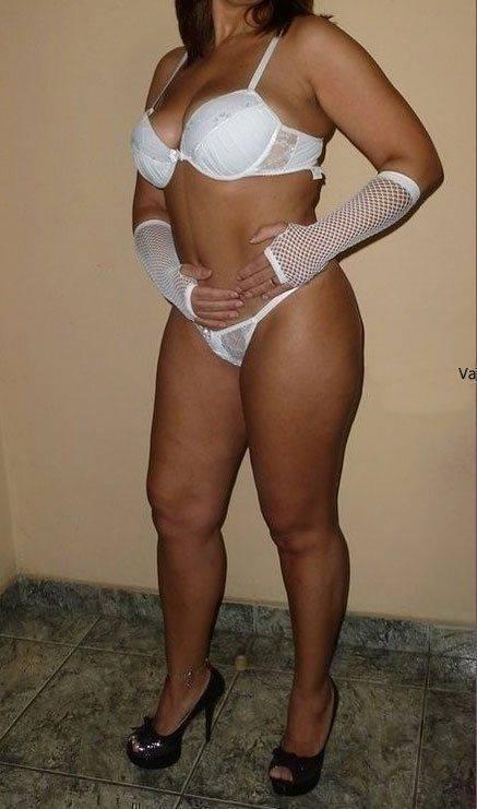 Exibicionismo da esposa pelada na rua (5)
