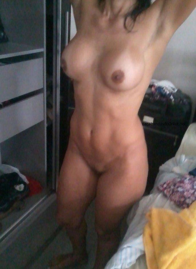 Fotos amadoras da esposa peituda nua no motel (3)