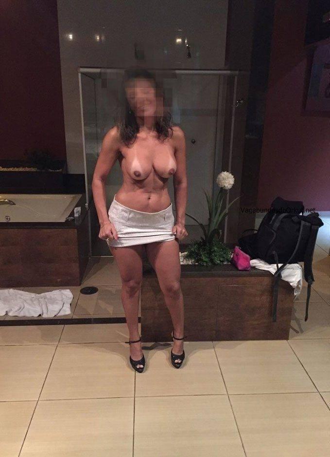 Fotos amadoras da esposa peituda nua no motel (9)