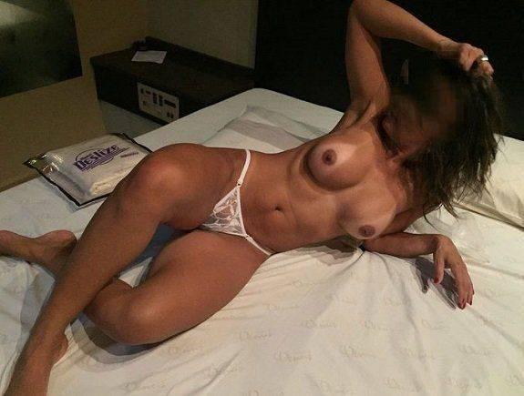 Fotos amadoras da esposa peituda nua no motel