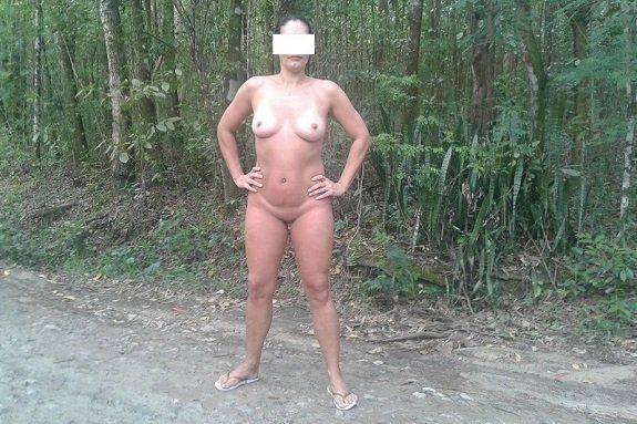 Raquel exibida pelada no Horto