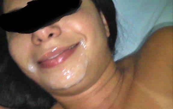 Esposa gozada na cara