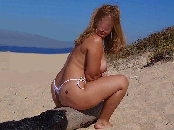 Coroa gostosa pelada na praia