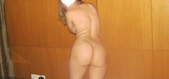 Esposa gostosa indo para o Motel pelada