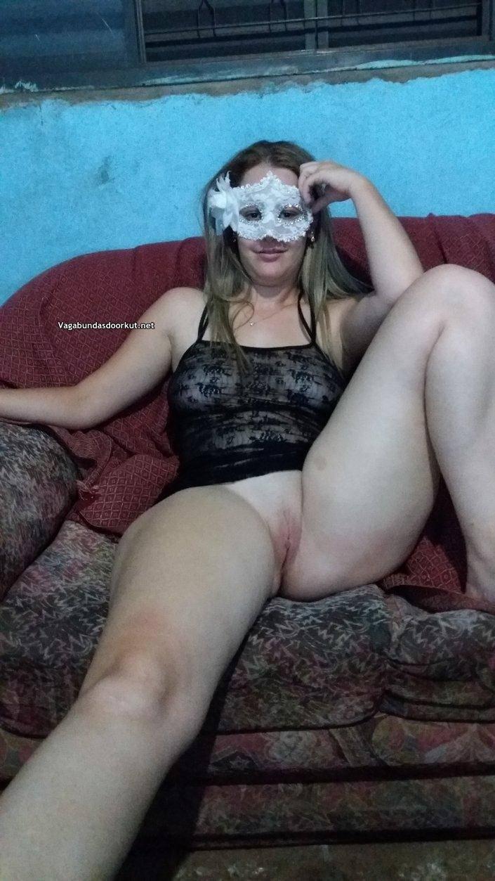 Esposa de puta en su trabajo - 3 4
