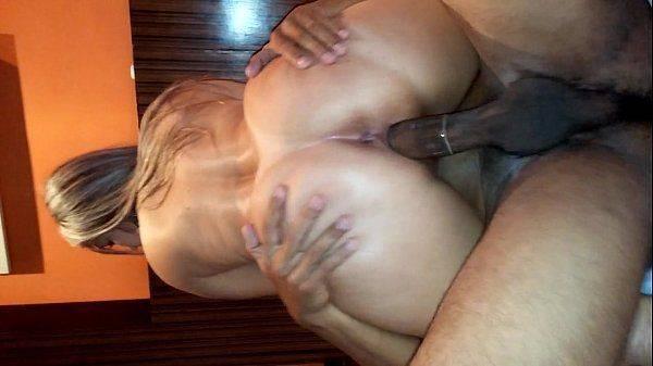 Comedor fazendo sexo com a esposa do corno