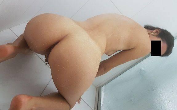 Fotos amadoras da esposa magrinha no banho