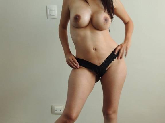 Minha esposa gostosa em um ensaio sensual