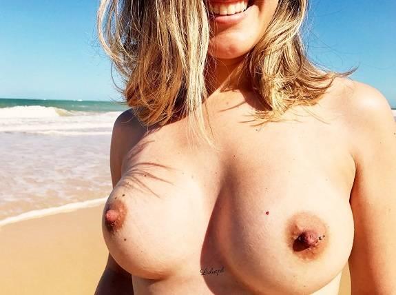 Loira casada novinha dos peitos gostosos