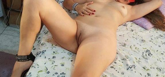 Coroa gostosa em fotos amadoras nua na cama