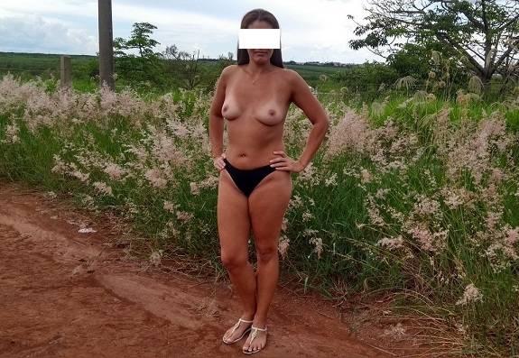Raquel Exibida fotos amadoras pelada na estrada