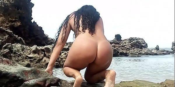Esposa morena rabuda pelada na praia