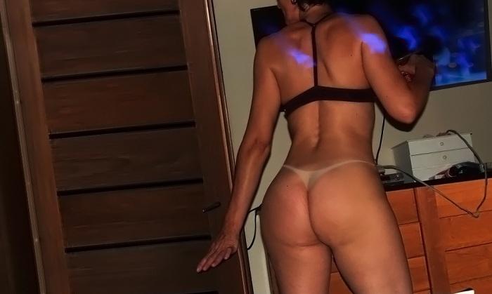 Fotos da minha esposa gostosa bronzeada e pelada