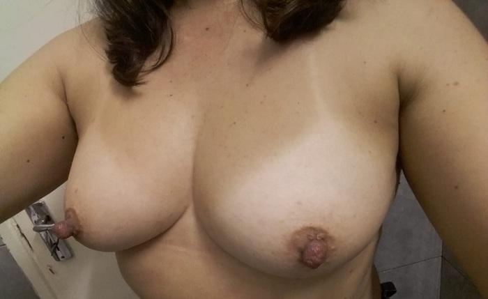 Fotos dos peitinhos gostosas da esposa