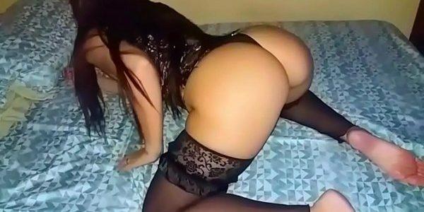 Morena sarada gostosa fazendo sexo amador