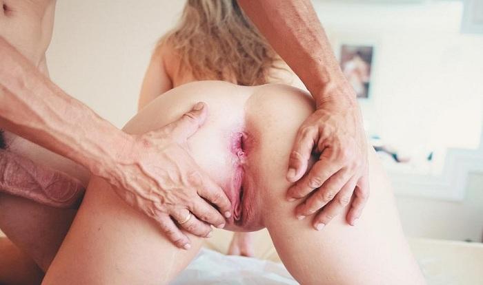 Branquinha de corno gostosa no sexo com dotado